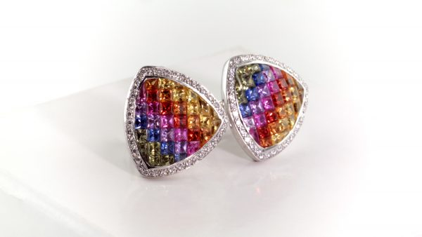 Multicolor sapphire and diamond earrings in white gold.