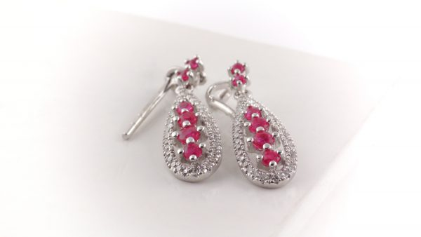 Diamond and ruby earrings in 14K white gold.